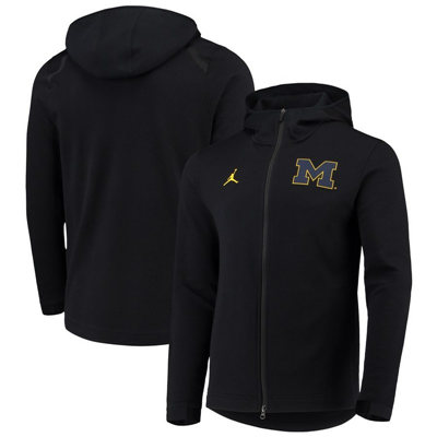Michigan Wolverines 2018-2019 On-Court Basketball Player Showtime Performance Full-Zip Hoodie – Black