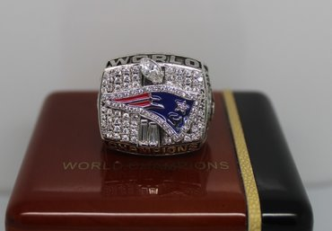 Football 2001 Super Bowl XXXVI New England Patriots Championship Ring