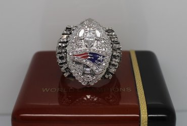 Football 2004 Super Bowl XXXIX New England Patriots Championship Ring
